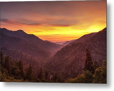 Sunset In The Mountains Metal Print by Andrew Soundarajan