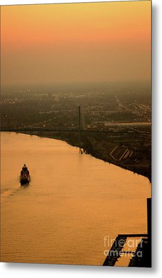 Sunset On The River Metal Print by Linda Shafer