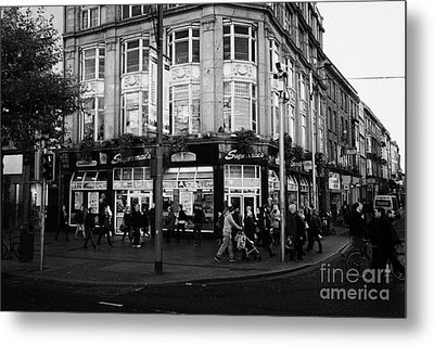 Supermacs Fast Food Restaurant Oconnell Street Dublin Republic Of Ireland Metal Print by Joe Fox