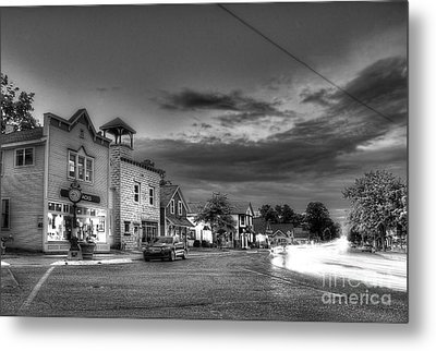 Sutton's Bay In Black And White Metal Print by Twenty Two North Photography
