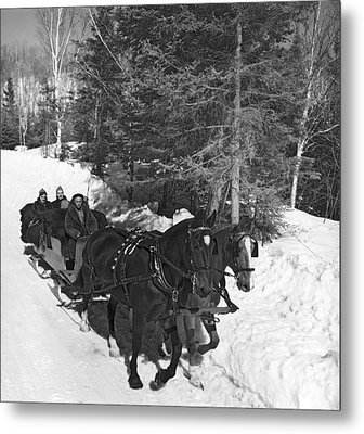 Taking A Sleigh Ride In Canada Metal Print by Underwood Archives