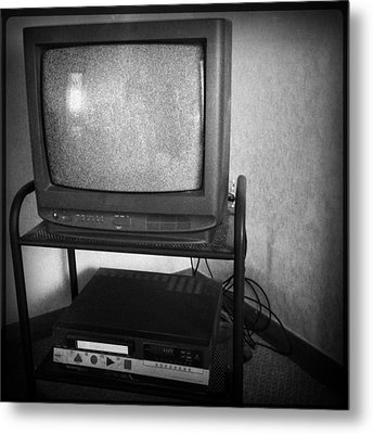 Television And Recorder Metal Print by Les Cunliffe