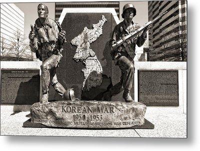 Tennessee Korean War Memorial Metal Print by Dan Sproul