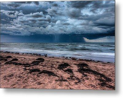 The Approaching Storm Metal Print by Matt Dobson
