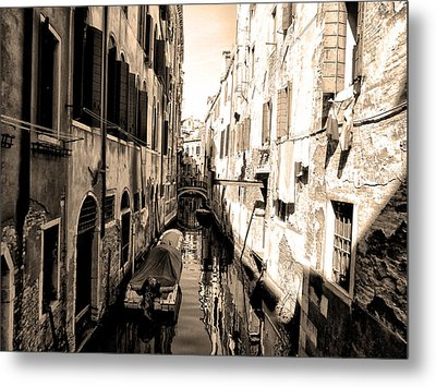 The Back Canals Of Venice Metal Print by Bill Cannon