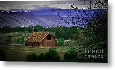 The Barn Metal Print by Robert Bales