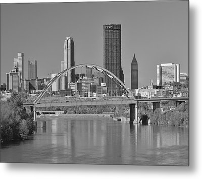 The Birmingham Bridge In Pittsburgh Metal Print by Digital Photographic Arts