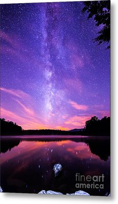 The Bold And Beautiful Milky Way Metal Print by Robert Loe