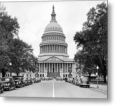 The Capitol Building Metal Print by Underwood Archives