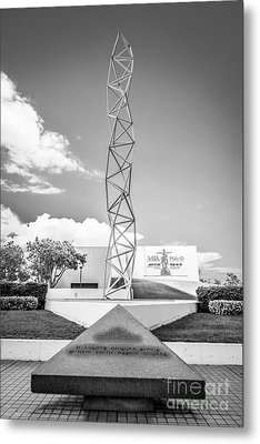 The Challenger Memorial 2 - Bayfront Park - Miami - Black And White Metal Print by Ian Monk