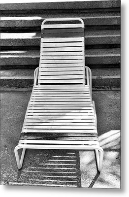 The Empty Chaise Palm Springs Metal Print by William Dey