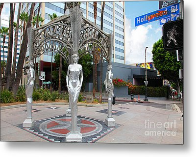 The Hollywood Boulevard Gazebo La Brea Gateway To Hollywood 5d28926 Metal Print by Wingsdomain Art and Photography