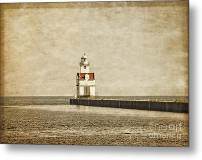 The Manitowoc Breakwater Lighthouse Metal Print by Mary Machare