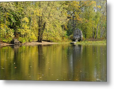 The Old Manse Boathouse Metal Print by Luke Moore