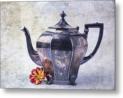 The Old Teapot Metal Print by Garry Gay