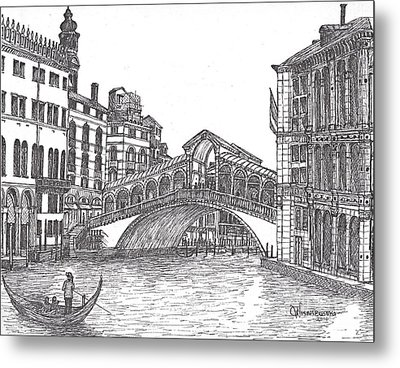The Rialto Bridge Venice Italy Bw Metal Print by Carol Wisniewski