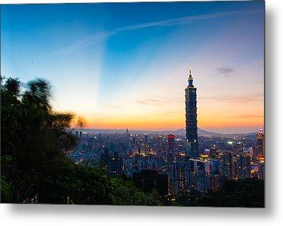 The Sky Of Taipei 101 Metal Print by Dewa Wirabuwana