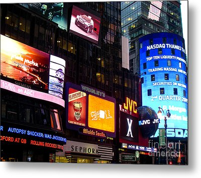 Times Square At Night New York City Metal Print by Robert Ford