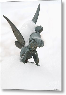 Tink In The Snow Metal Print by Susan Cliett