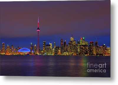 Toronto By Night... Metal Print by Nina Stavlund