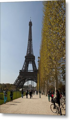 Tour Eiffel 6 Metal Print by Art Ferrier