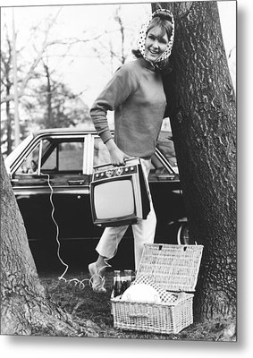 Tvs For Picnics Metal Print by Underwood Archives