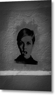 Twiggy Street Art Metal Print by Louis Maistros