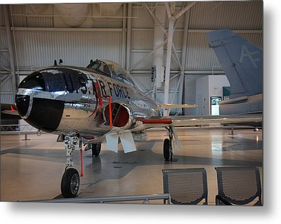 Udvar-hazy Center - Smithsonian National Air And Space Museum Annex - 121242 Metal Print by DC Photographer