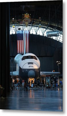 Udvar-hazy Center - Smithsonian National Air And Space Museum Annex - 121255 Metal Print by DC Photographer