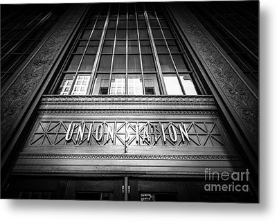 Union Station Chicago In Black And White Metal Print by Paul Velgos