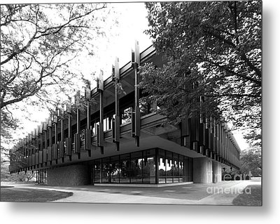 University Of Wisconsin Green Bay Rose Hall Metal Print by University Icons