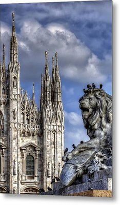 Urban Jungle Milan Metal Print by Carol Japp