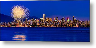 Vancouver Celebration Of Light Fireworks 2013 - Day 1 Metal Print by Alexis Birkill
