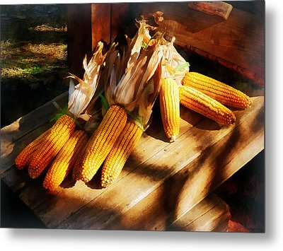 Vegetable - Corn On The Cob At Outdoor Market Metal Print by Susan Savad
