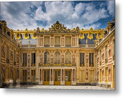 Versailles Courtyard Metal Print by Inge Johnsson