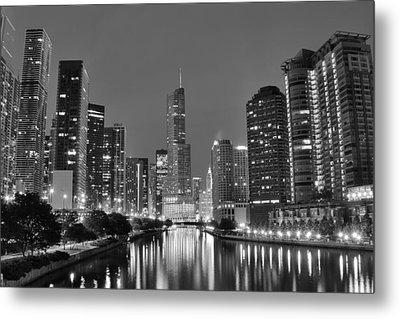 View Down The Chicago River Metal Print by Frozen in Time Fine Art Photography