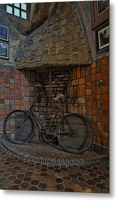 Vintage Bicycle Metal Print by Susan Candelario