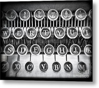 Vintage Typewriter Metal Print by Edward Fielding