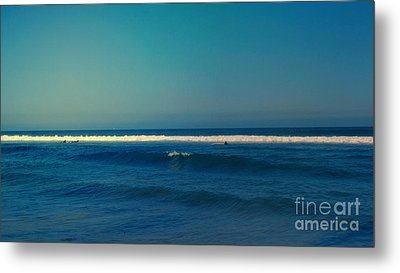 Waiting For The Perfect Wave Metal Print by Nina Prommer