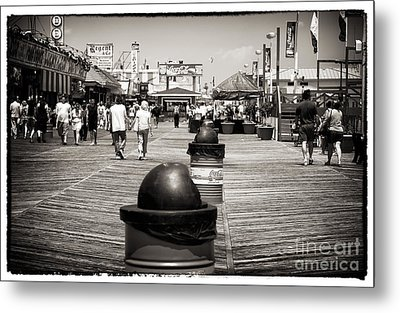 Walking The Boardwalk Metal Print by John Rizzuto