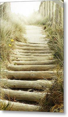 Walkway To Beach Metal Print by Les Cunliffe