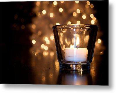 Warm Christmas Glow Metal Print by Lisa Knechtel