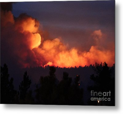 Metal Print featuring the photograph White Draw Fire First Night by Bill Gabbert
