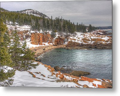 Winter Cove Metal Print by Robert Saccomanno