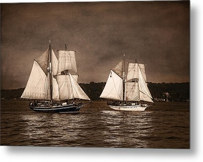 With Full Sails Metal Print by Dale Kincaid
