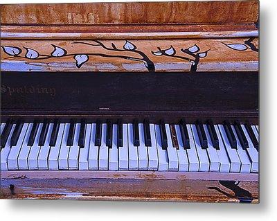 Worn Funky Piano Metal Print by Garry Gay