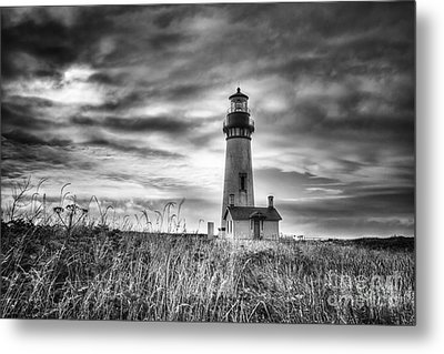 Yaquina Head Lighthouse Black And White Metal Print by Mark Kiver