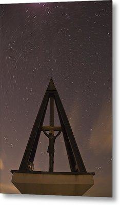 Against The Stars Metal Print by Ian Middleton