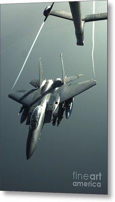 An F-15e Strike Eagle Flies Over Iraq Metal Print by Stocktrek Images