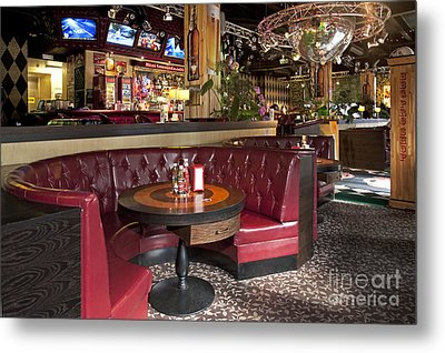 Dining Booth In An American Style Diner Metal Print by Jaak Nilson